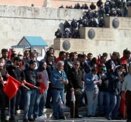 сталинисты на страже парламента