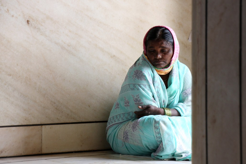 A woman at the temple in Aurangabad