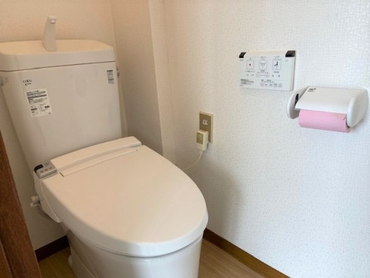 トイレ①ウォシュレット付 R2.3撮影