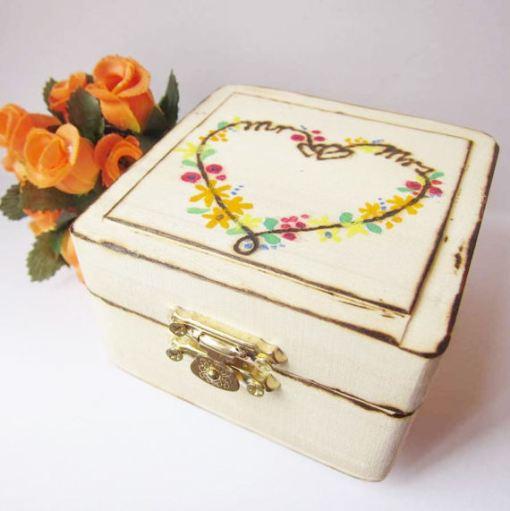 wedding ring box heart