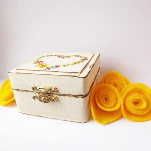 wedding ring box heart3
