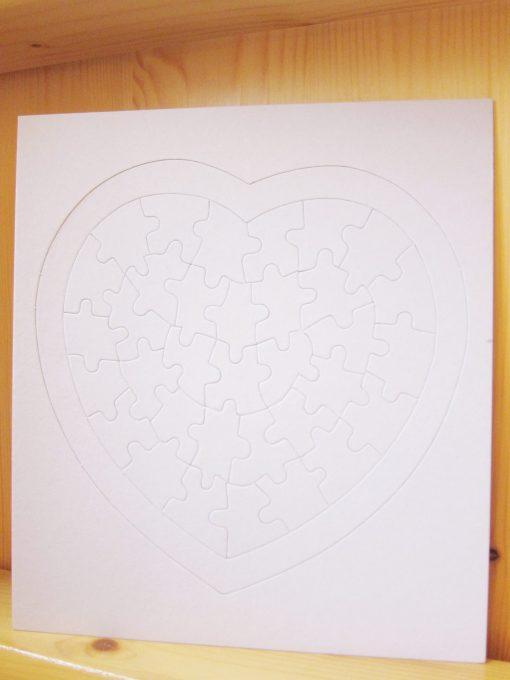 blank jigsaw big heart2
