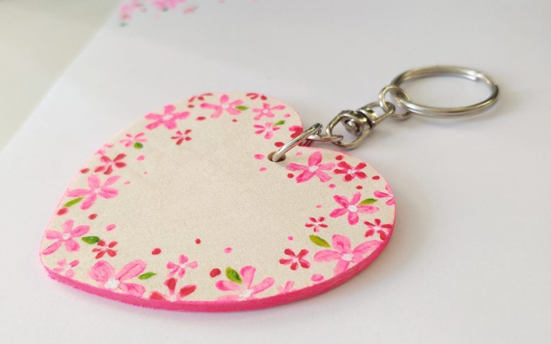 Flower Wood Keyring – Pink