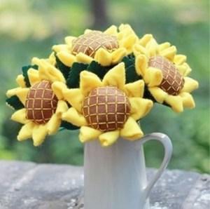 DIY felt flower