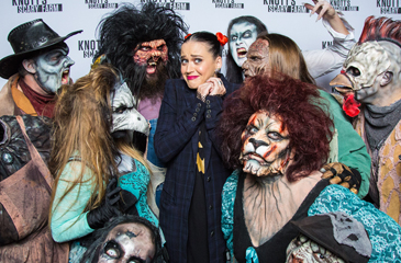 Katy Perry Gets Her Scare On At Knott's Scary Farm