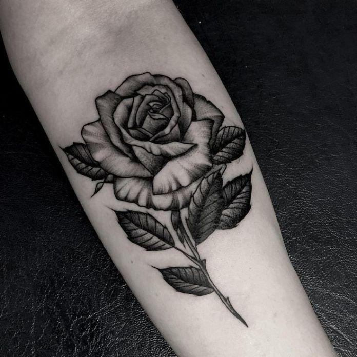 tatuaggio rosa significato