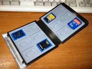 FC-MMC4BK。SD カードのケースとして売られていても、型番は MMC なんですね。