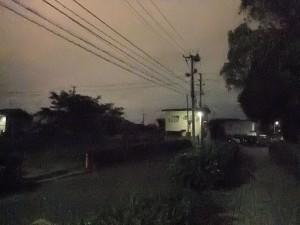 F200EXR で撮影した、ISO 12800 の夜の住宅街。