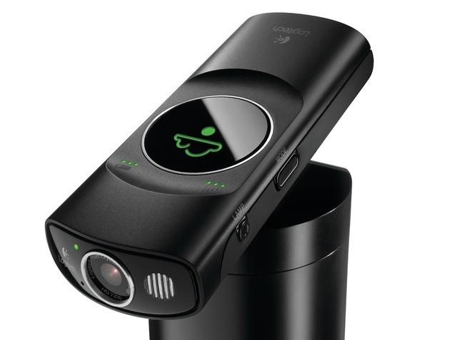 Logitech_Broadcaster_Wi-Fi_Webcam-thumb-640x477-103172.jpeg