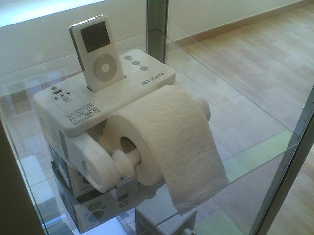 19-toiletroll.jpg