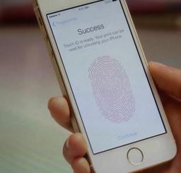 iPhone5s-firstpic.jpg