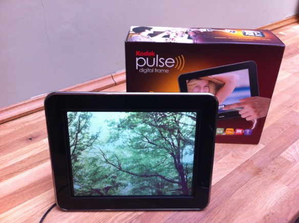 Review Kodak Pulse Digital Frame Lets You Share Photos Instantly