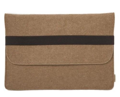 Brown wool MacBook sleeve