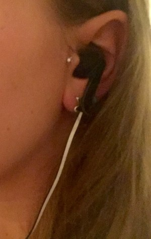 My tragus piercing has made earphones difficult to wear in the past, but the Urbanista Rio didn't cause me problems.
