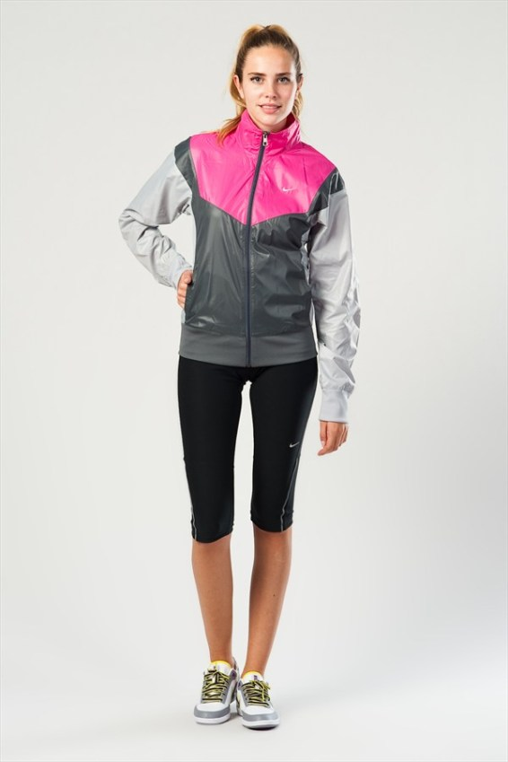 Nike Sprinter Jacket Front View