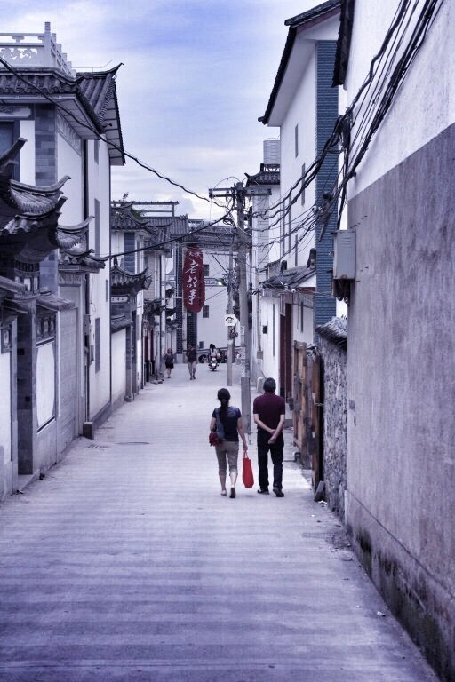 dali-old-town-outside-street