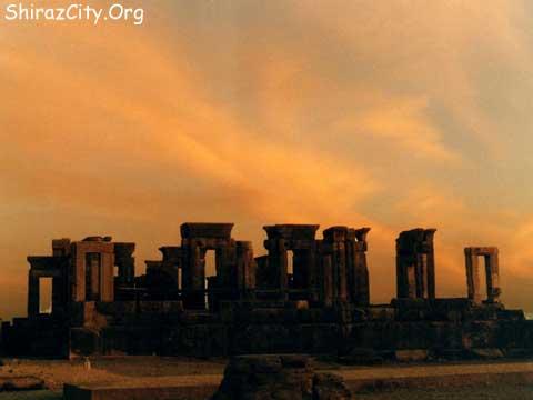 https://i2.wp.com/www.shirazcity.org/shiraz/Shiraz%20Information/Sightseeing/images/Persepolis/b12.jpg