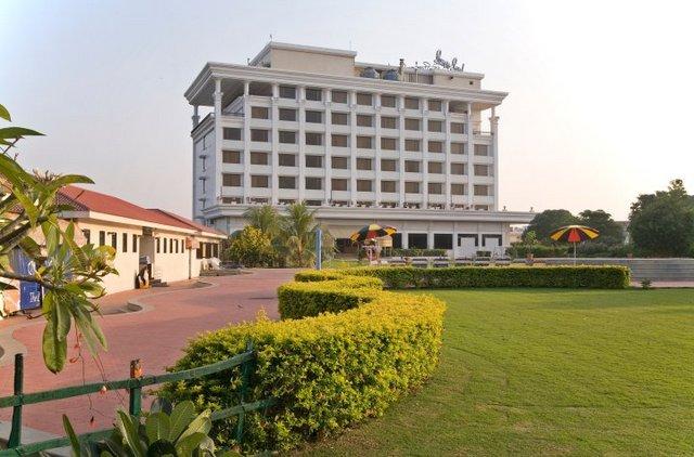 Sun N Sand Serviced Apartments Shirdi Rooms Rates Photos Reviews Deals Contact No And Map