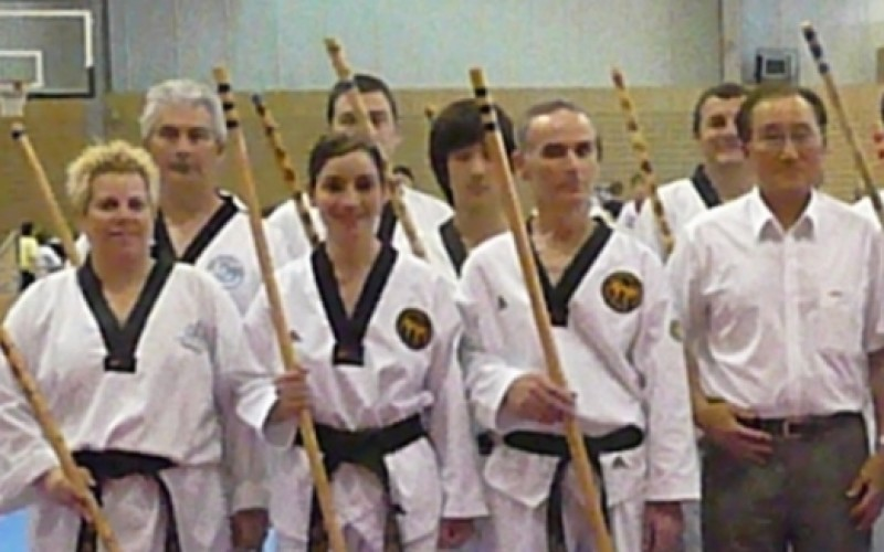 Gwangjangnim Gary with fellow competitors in the 1st Bongsul