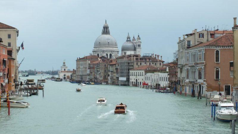 ונציה שוקעת