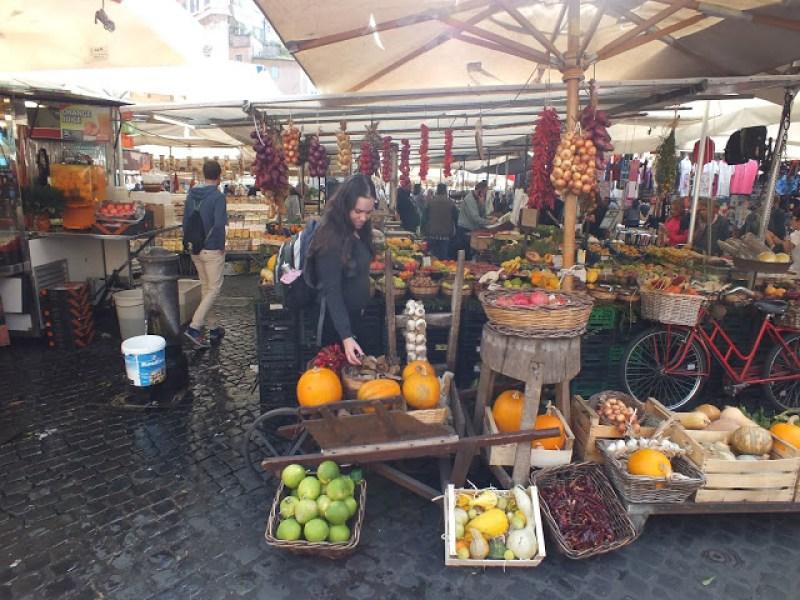 קמפו דה פיורי - שווקים ברומא - החיים לפי שירלי