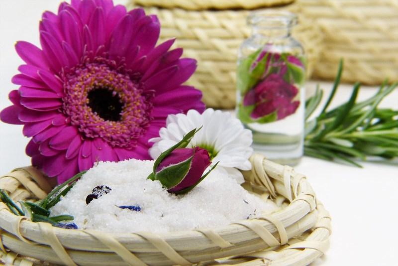 להפתיע עם פרחים