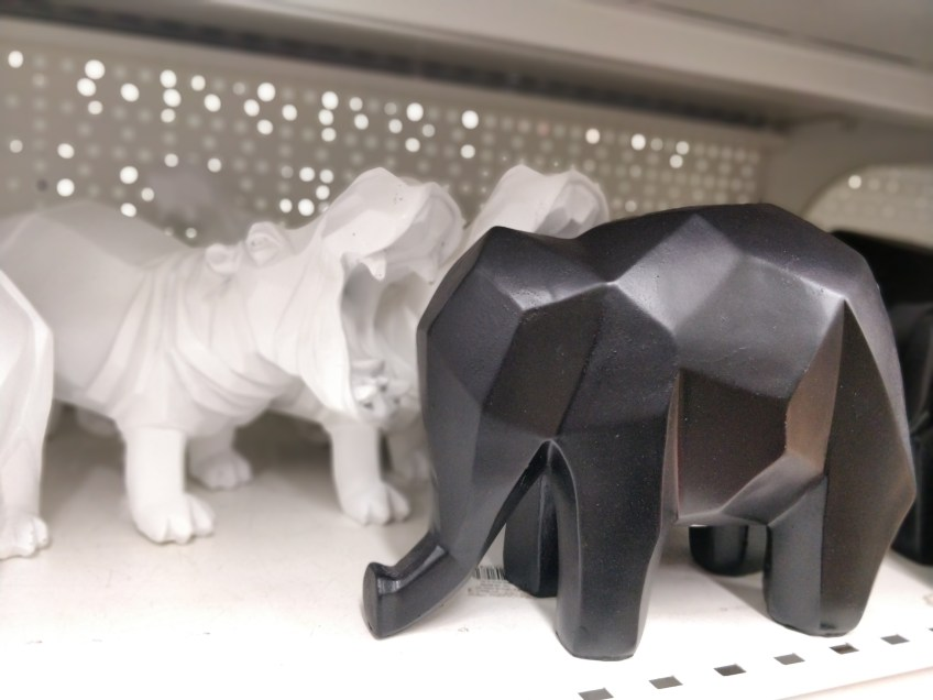 פסלוני חיות דמוי אוריגמי
