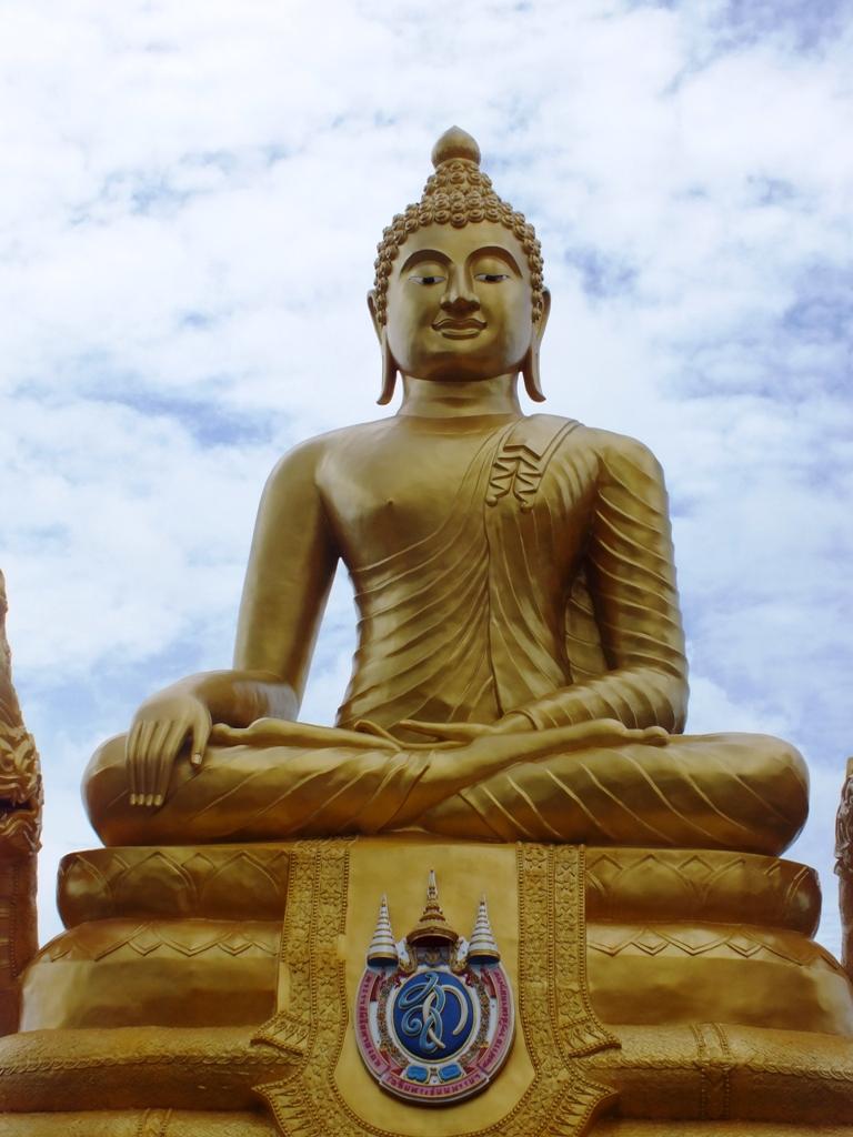 פסל בודהה בפוקט