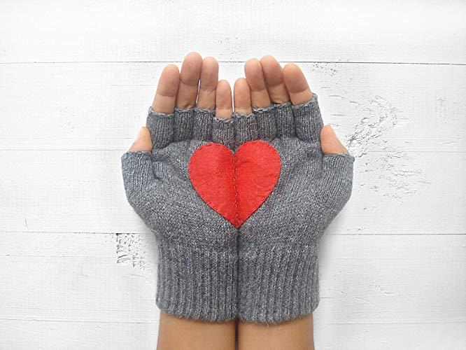 כפפות חצי לב