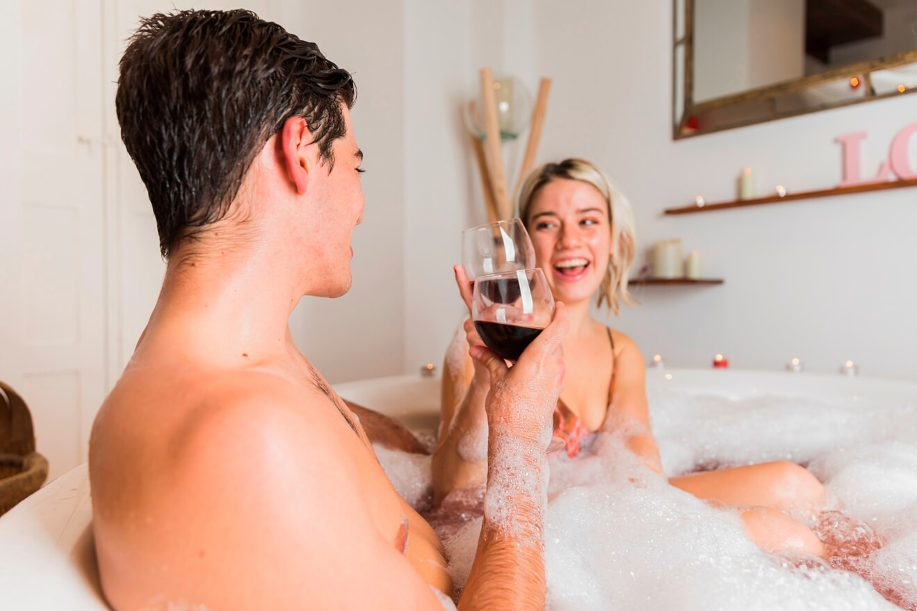 אמבטיה רומנטית