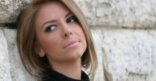 Rosela Gjylbegu, këngëtare e talentuar