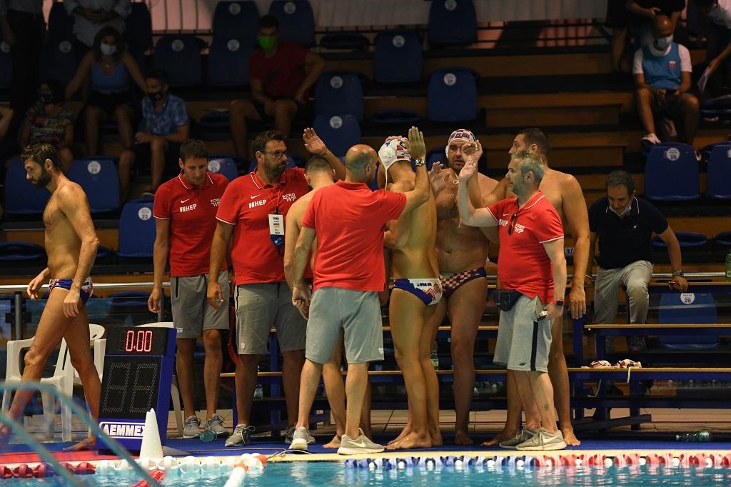 Il team croato si consulta. 📷 Andrea Chiaramida