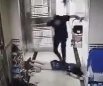 【動画】男が妻に激しい暴行をする衝撃映像