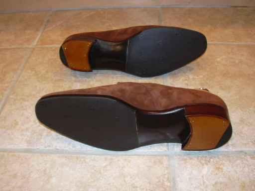Snyggt ditsatta slitsulor i gummi. Bild: The Shoe Snob