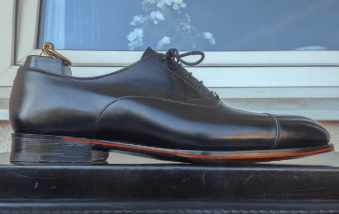 En sko från Wildsmith, med lägre klack, men högre toe spring.