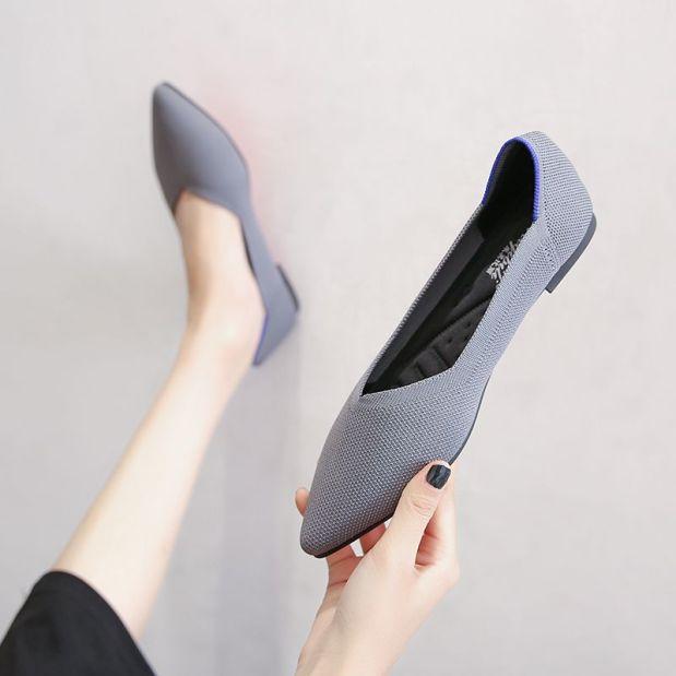 Ash Gray Knit Pointed Toe Flat