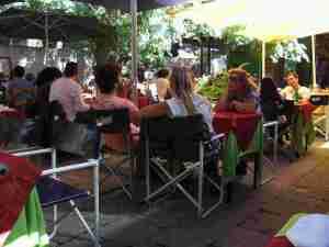 Courtyard restaurant in La Boca