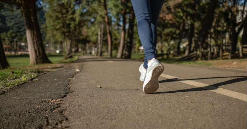 8 Best Shoes For Walking Long Distances – Review