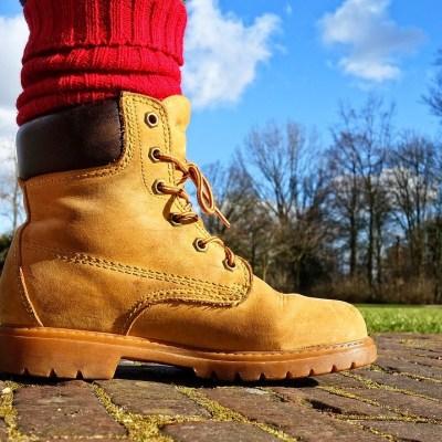 10 Best Steel Toe Boots For Sweaty Feet [Guide & Review]