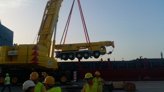 shipping of mobile crane and equipment (1)