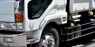 トラック平均積載率 40%割れ