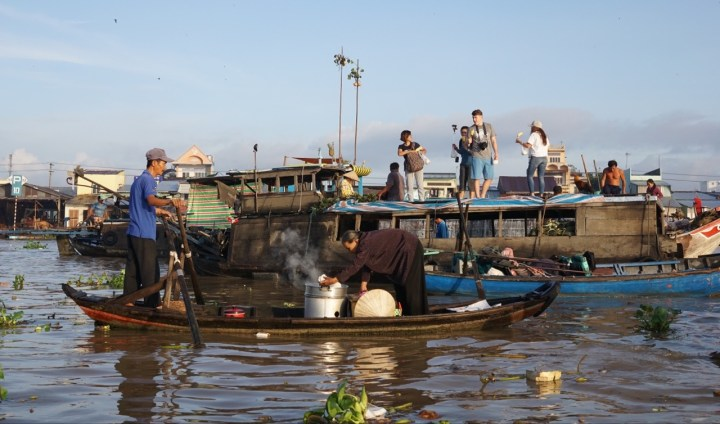 Floating markets at Can Tho