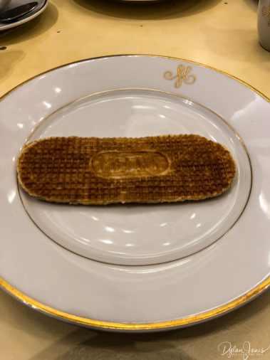 Meert waffle filled with Madagascar Vanilla