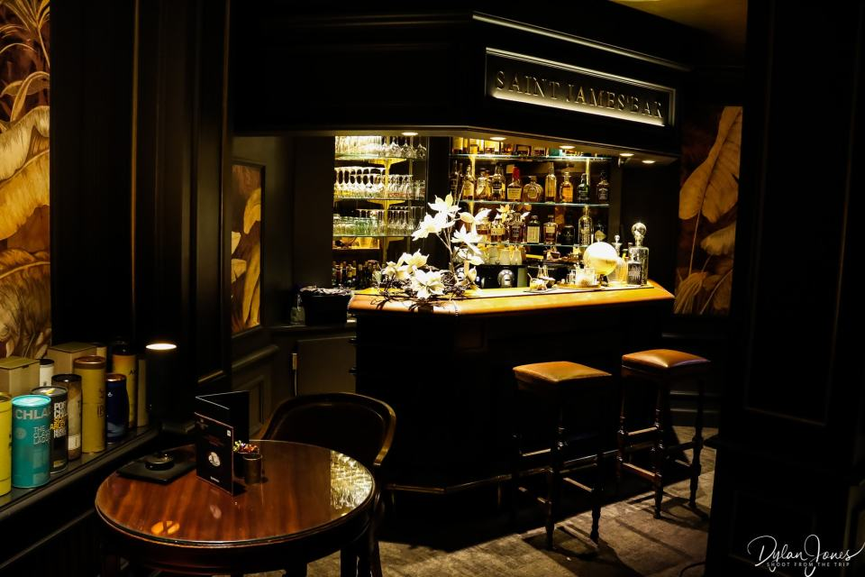 The Saint James' Bar at Hotel Carlton Lille