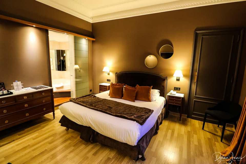 Overview of a Privilege Room at the Hotel Carlton Lille