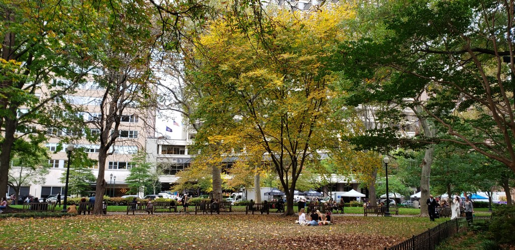 Rittenhouse Square Philadelphia is a popular spot among wedding photographers!