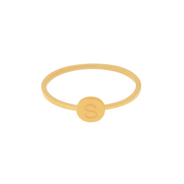 Ring initial gold