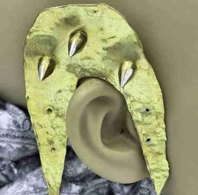 ear hangers Spiked