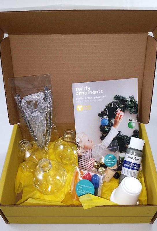 Kiwi Crate Swirly Ornament Kit