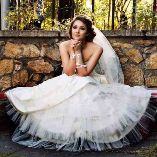 choosing the right wedding dress for your shape